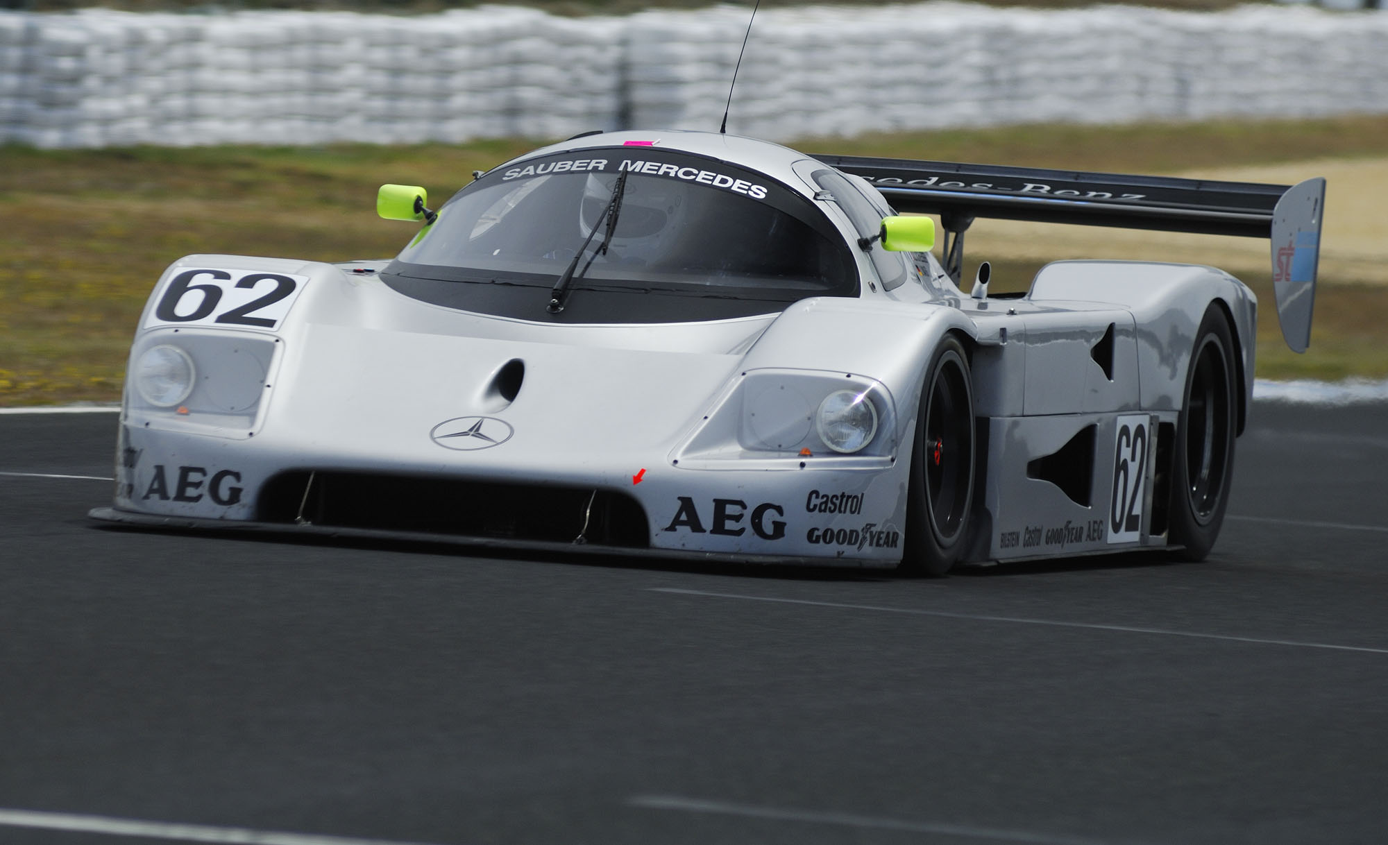 Famous Sports Cars Head For Phillip Island Classic