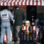 Jody Scheckter and Derek Gardner tuck in to some pancakes during a break at GP tyre testing, Brands Hatch, 1976.